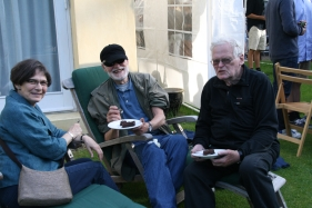 Poul, Lone og Thorkil 2012-06-29 på Skovvej.JPG