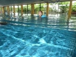 Tiara svømmer 2013.JPG